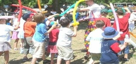 Hire Children's Party Entertainer Magic OZ the really fun guaranteed Birthday parties
