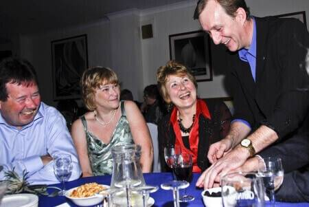 Hire Close up Ealing Magician